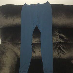 """Capri blue lululemon 28"""" align pant"""